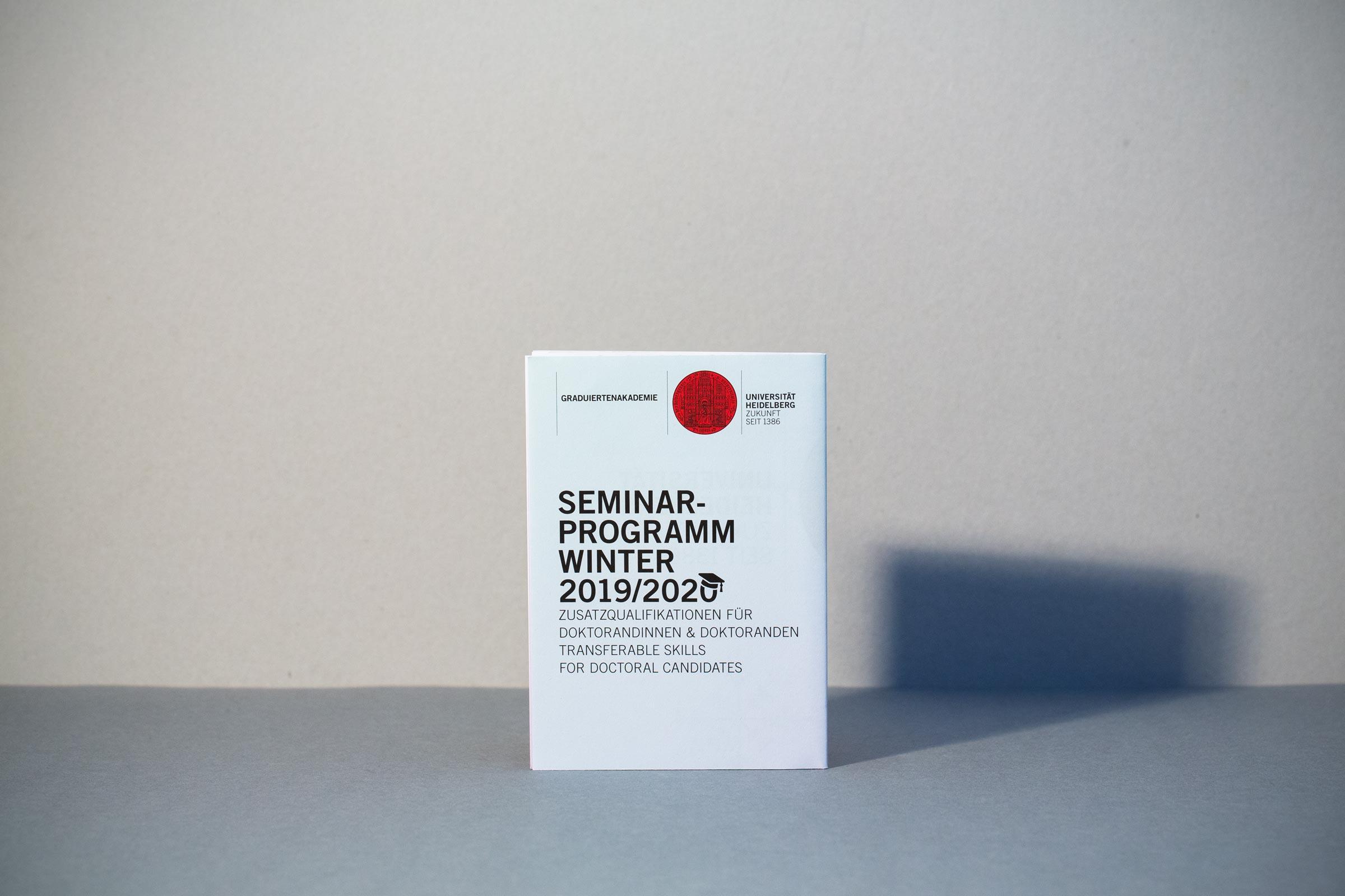 Gesa Siebert Kommunikationsdesign Graduiertenakademie Universität Heidelberg Flyer Faltflyer Plakat Illustration Seminarprogramm Wintersemester 2019/2020 Vorderseite